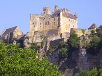 French walking holiday in Perigord noir chateau